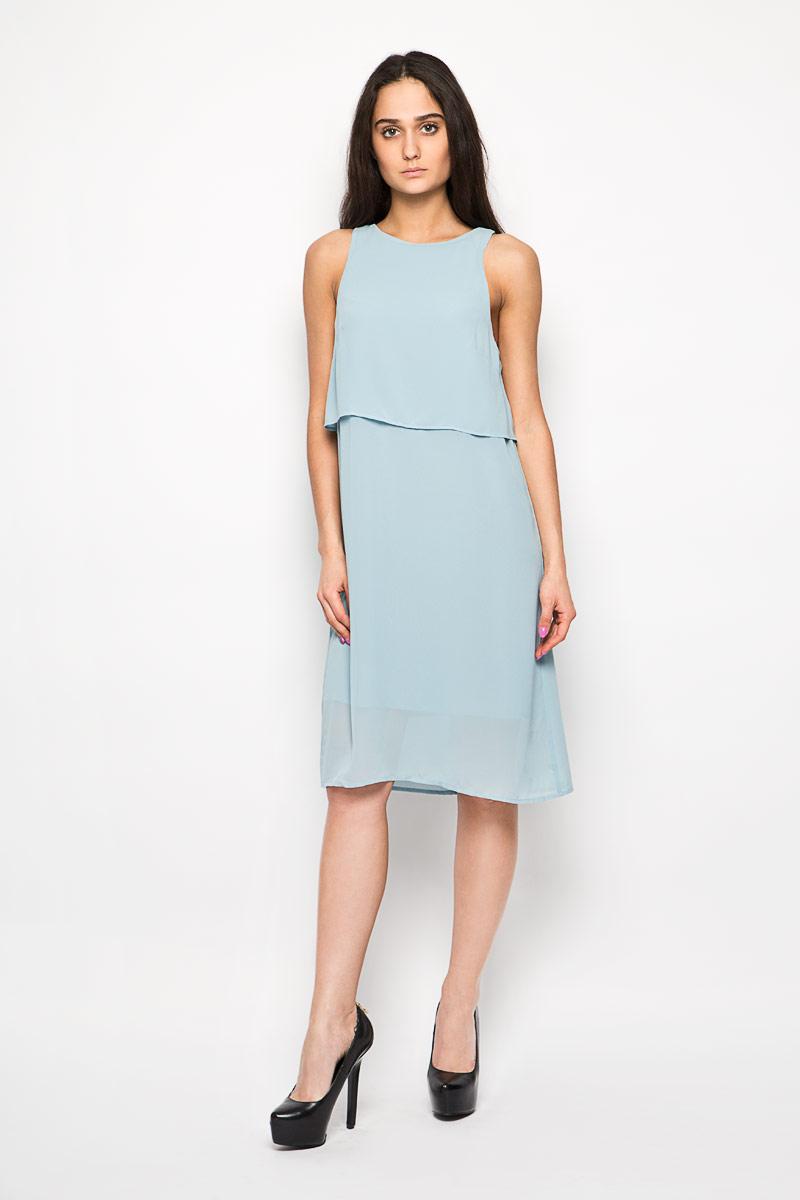 ПлатьеAC0273 LIGHT BLUEЭлегантное и невероятно легкое платье Glamorous, выполненное из полупрозрачного материала, преподносит все достоинства женской фигуры в наиболее выгодном свете. Модель прямого силуэта, без рукавов и с круглым вырезом горловины на спинке застегивается петлей на пуговицу. В верхней части платье дополнено оригинальным отлетным лифом. Спинка по линии горловины дополнена небольшим разрезом. Благодаря свойствам используемого материала изделие практически не сминается. В таком наряде вы безусловно привлечете восхищенные взгляды окружающих. Это яркое платье станет отличным дополнением к вашему гардеробу!