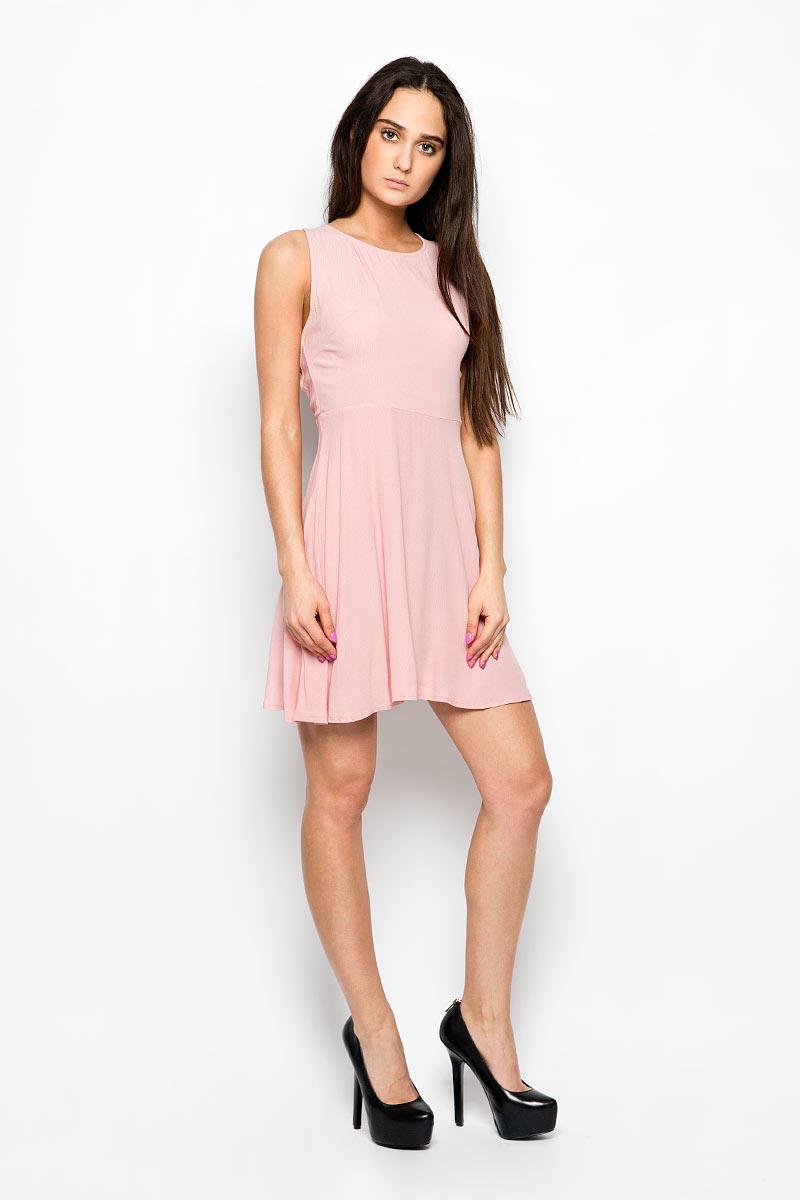 ПлатьеCK2741_BlackЛегкое платье Glamorous поможет создать привлекательный женственный образ. Изделие выполнено из мягкой вискозы, приятное к телу, не сковывает движения и хорошо вентилируется. Модель с круглым вырезом горловины застегивается сбоку на скрытую молнию. Спинка оформлена декоративным вырезом и дополнена шнуровкой. Это эффектное платье займет достойное место в вашем гардеробе!