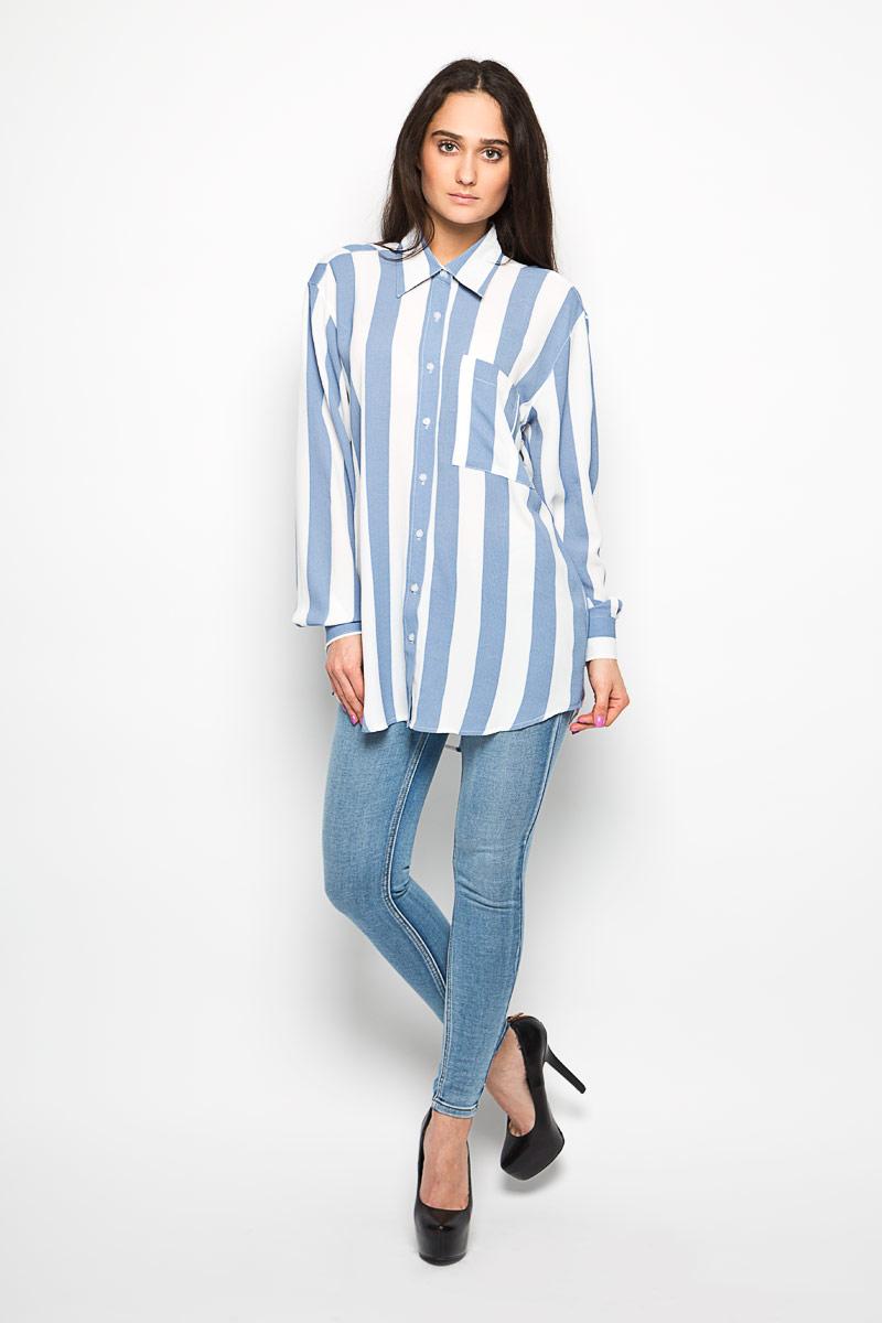 БлузкаNW0079A WHITE BLUE WIDE STRIPEЖенская блузка Glamorous, выполненная из эластичного материала, прекрасно дополнит ваш образ. Материал изделия очень легкий, приятный на ощупь, не сковывает движения и хорошо вентилируется. Блузка с отложным воротником и длинными рукавами спереди застегивается на пуговицы по всей длине. Манжеты также имеют застежки-пуговицы. На груди изделие дополнено накладным карманом. Спинка модели удлинена. Оформлено изделие принтом в полоску. Такая блузка будет дарить вам комфорт в течение всего дня и станет стильным дополнением к вашему гардеробу.