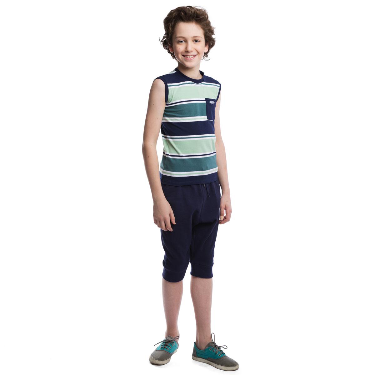 Майка263015Стильная полосатая майка для мальчика подойдет как для занятий спортом, так и для повседневной носки. Круглый вырез горловины и проймы дополнены эластичной бейкой, создающей эффект многослойности. На груди расположен кармашек с аппликацией.