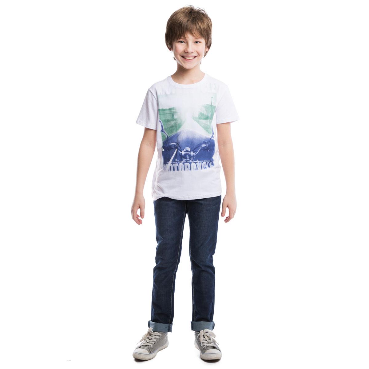 263008Мягкая хлопковая футболка белого цвета.Воротник на резинке. Украшена крупным водным фотопринтом с мотоциклом.