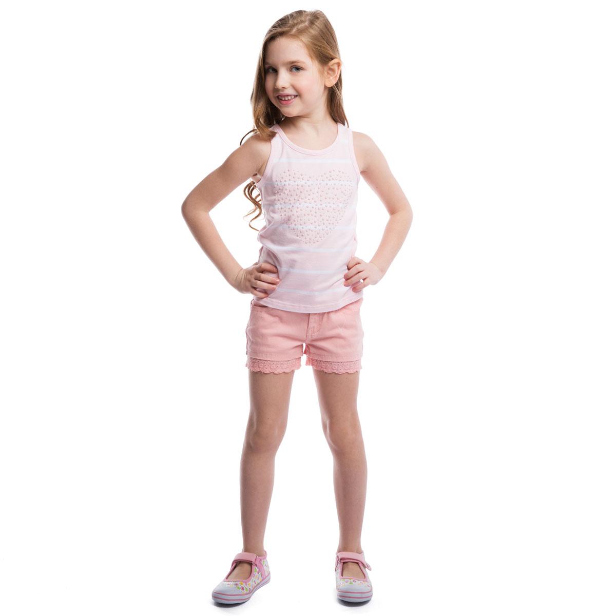 Шорты для девочки. 262006262006Модные шорты для девочки PlayToday идеально подойдут вашей маленькой принцессе. Изготовленные из эластичного хлопка, они мягкие и приятные на ощупь, не сковывают движения и позволяют коже дышать. Шорты застегиваются на поясе на металлическую кнопку и имеют ширинку на застежке-молнии, а также шлевки для ремня. При необходимости пояс можно утянуть скрытой резинкой на пуговках. У модели спереди два втачных кармана и сзади два накладных кармана. Изделие декорировано кружевными вставками. В таких шортах ваша принцесса будет чувствовать себя комфортно и всегда будет в центре внимания!