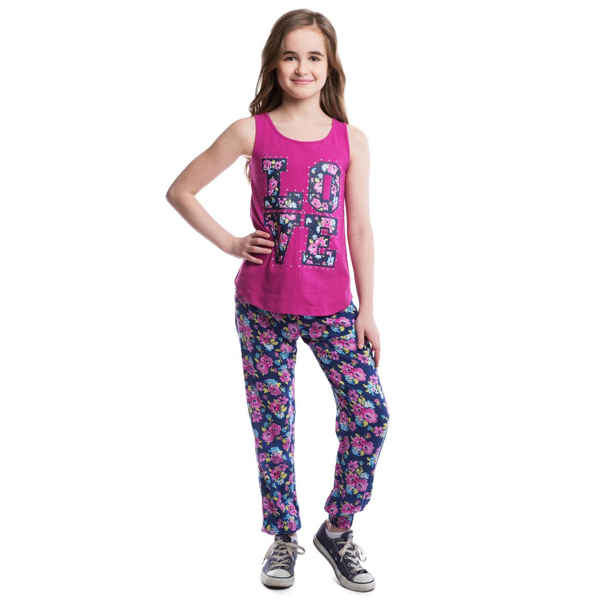 Брюки264004Легкие и воздушные брюки из вискозы в стиле принцессы Жасмин со стильным цветочным принтом. На талии изделие дополнено вшитой широкой резинкой и затягивающимся шнурком, имеются два глубоких втачных кармана. Низ брючин оформлен вшитой резинкой.
