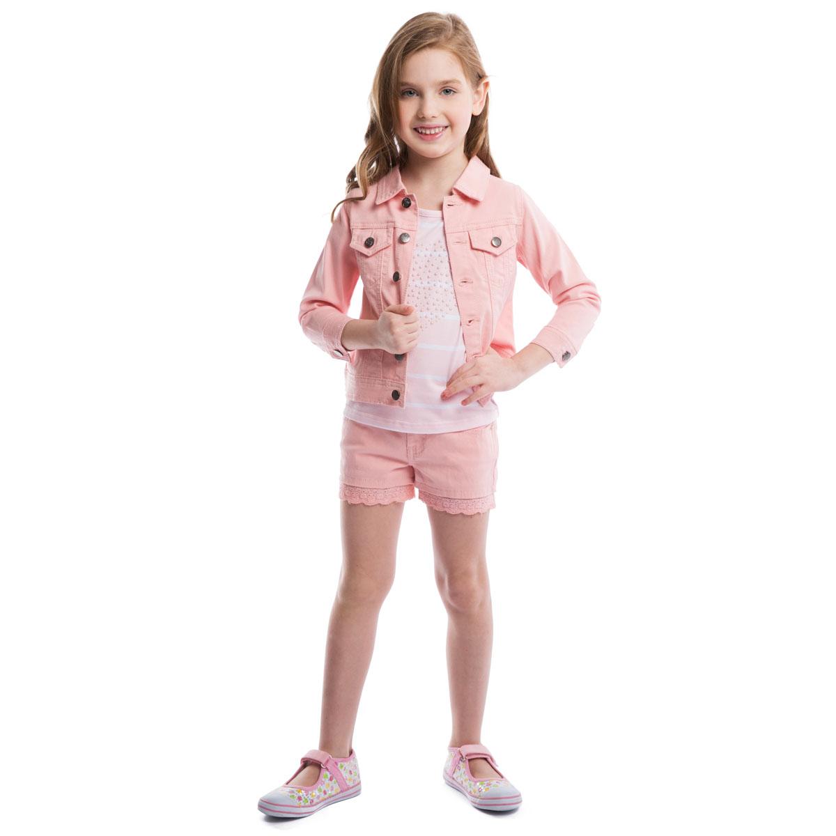 Куртка для девочки. 262001262001Куртка для девочки PlayToday, выполненная из эластичного хлопка, необычайно мягкая и приятная на ощупь, не сковывает движения ребенка и позволяет коже дышать, не раздражает даже самую нежную и чувствительную кожу, обеспечивая малышке наибольший комфорт. Куртка с отложным воротником и рукавами 3/4 застегивается на металлические пуговицы с выгравированной клубничкой. Манжеты рукавов также застегиваются на пуговицы. Спереди модель дополнена двумя прорезными кармашками, закрывающимися клапанами на пуговицах. Низ изделия по бокам декорирован хлястиками на пуговицах. Оригинальный современный дизайн и модная расцветка делают эту куртку стильным предметом детского гардероба. В ней ваша малышка будет чувствовать себя уютно и комфортно и всегда будет в центре внимания!