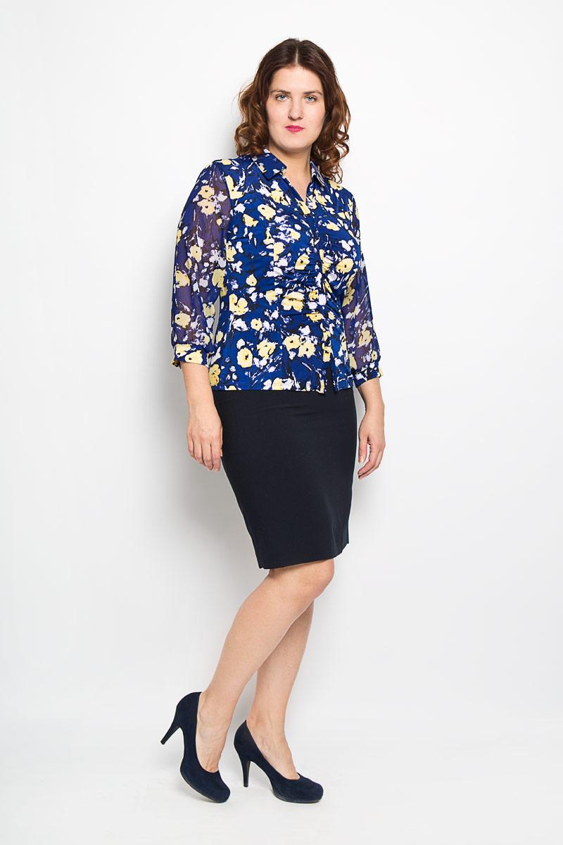 Блузка1871-723мОчаровательная женская блузка Milana Style, выполненная из синтетического материала полиакрила с добавлением эластана, подчеркнет ваш уникальный стиль и поможет создать оригинальный женственный образ. Материал очень легкий, мягкий и приятный на ощупь, не сковывает движения и хорошо вентилируется. Блузка с рукавами 3/4 и V-образным вырезом горловины с отложным воротником. Лицевая сторона блузки оригинально оформлена сборкой по центру изделия с эффектом застежки на пуговицы. Рукава из полупрозрачного материала фиксируются эластичными манжетами. Красочный принт придаст яркости и романтичности вашему образу. Такая блузка будет дарить вам комфорт в течение всего дня и послужит замечательным дополнением к вашему гардеробу.