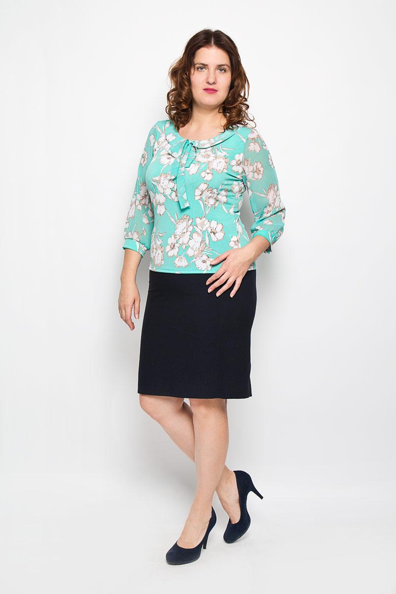 1729-623Оригинальная женская блузка Milana Style, выполненная из высококачественного материала, подчеркнет ваш уникальный стиль и поможет создать оригинальный женственный образ. Материал очень легкий, мягкий и приятный на ощупь, не сковывает движения и хорошо вентилируется. Блузка с рукавами 3/4 и круглым вырезом горловины оформлена цветочным принтом. Вырез горловины дополнен имитацией отложного воротника и длинными завязками, с помощью которых можно завязать красивый бант. Рукава из полупрозрачного материала, присборенные у манжета. Манжеты выполнены из эластичного материала. Такая блузка будет дарить вам комфорт в течение всего дня и послужит замечательным дополнением к вашему гардеробу.