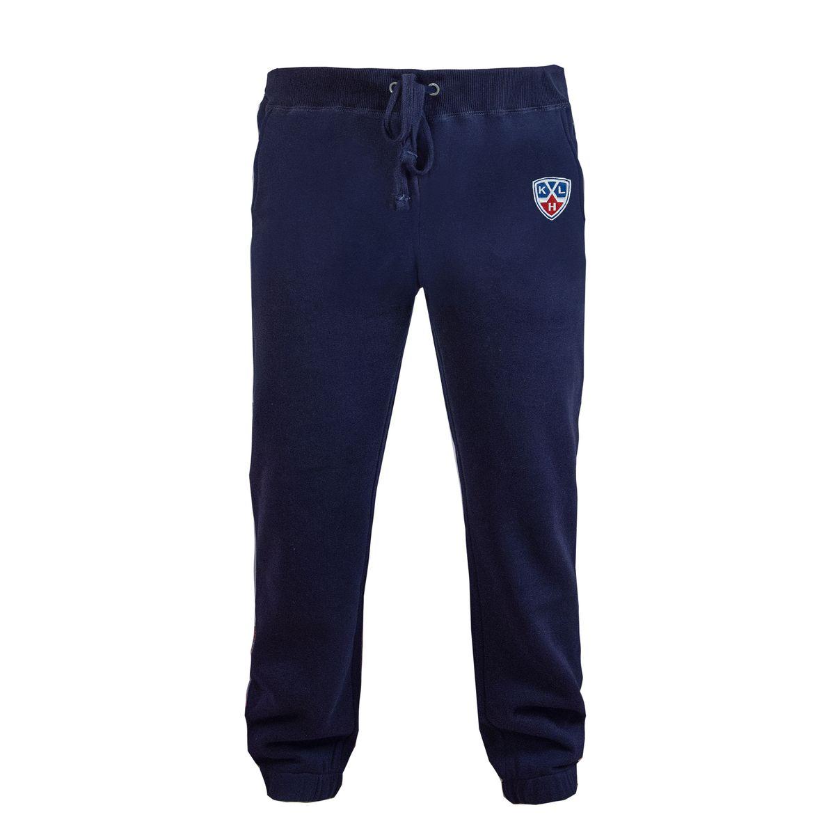 Брюки с логотипом ХК322020Спортивные брюки КХЛ с символикой клуба. Изготовлены из плотного трикотажа с мягкой ворсистой внутренней стороной. Дополнены двумя боковыми карманами и вышивкой.