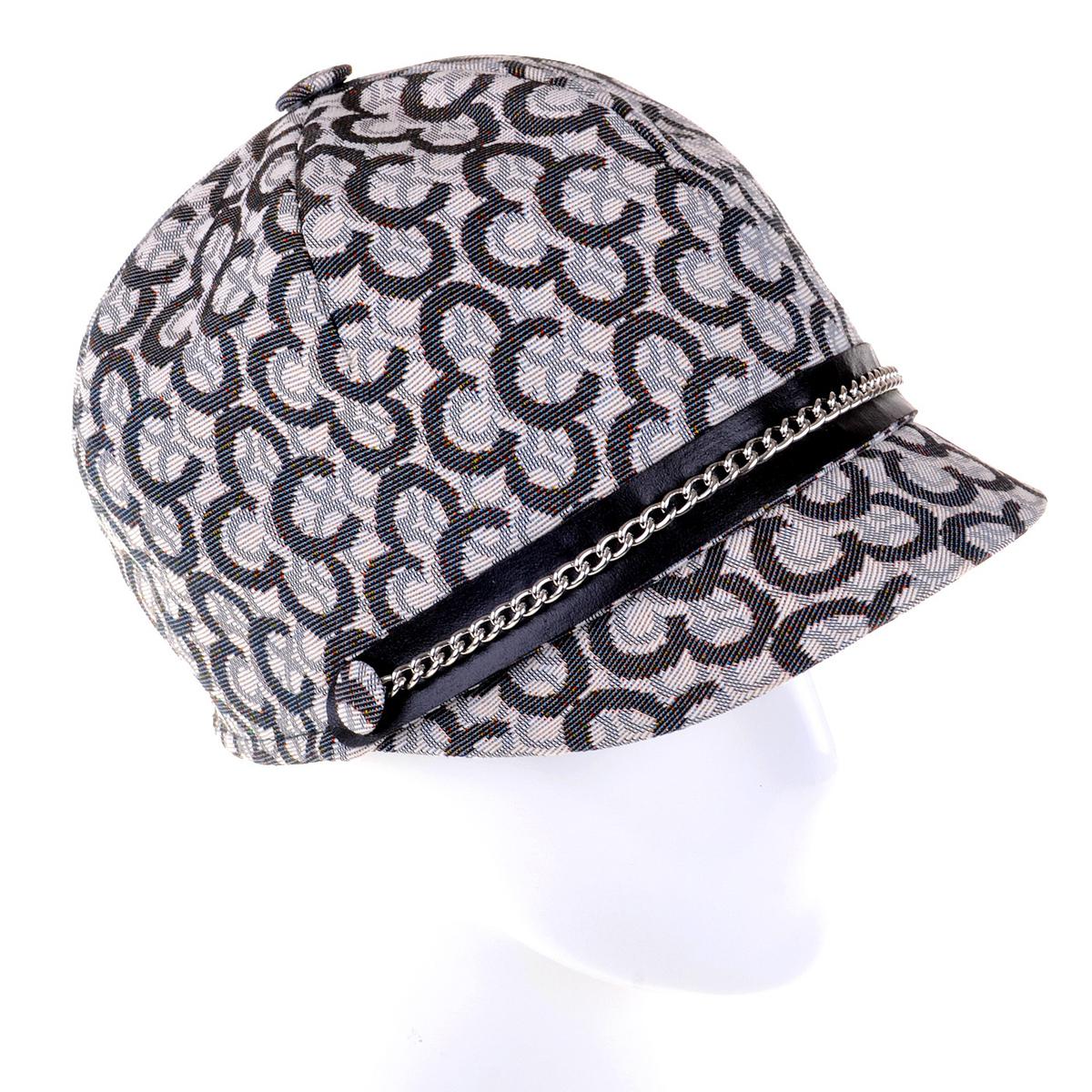Шляпа женская. RC0163RC0163Шляпа жокейка на пике популярности этой весной. В этом сезоне итальянский бренд Dispacci представил свою коллекцию бейсболок и модных шляп. Шляпа выполнена из высококачественного текстиля. Принт на ткани в виде логотипа бренда, сам текстиль выполнен из натурального хлопка, а за счет специальной пропитки ткань влагоустойчива! Шляпа является неотъемлемой частью гардероба для девушки, которая следит за модой, прекрасно подойдет к легкому пальто и кожаной куртке, джинскам и шортам, различным туникам и платьям. Создай свой образ приобрети головные уборы от бренда Dispacci.