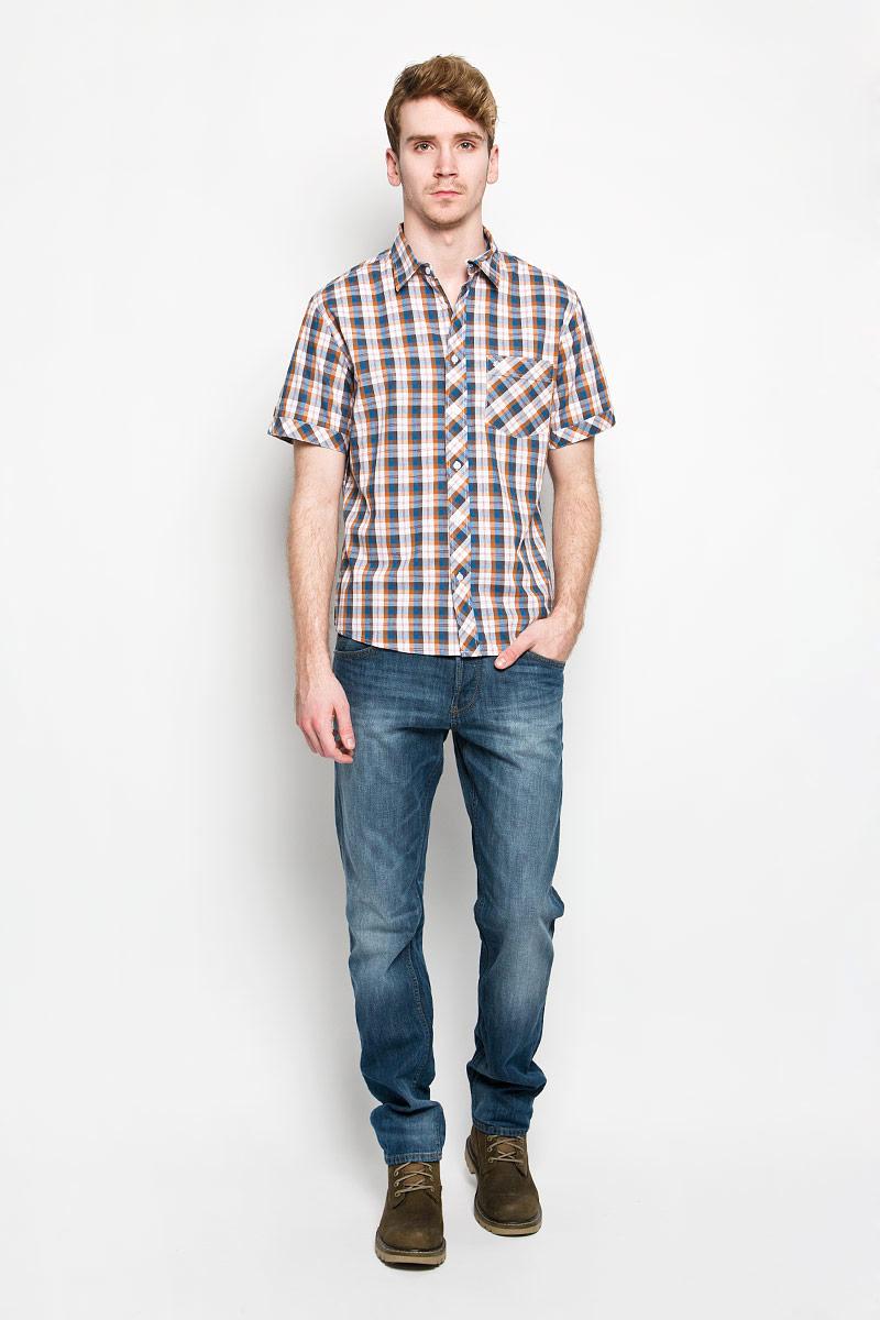 150639/7262Мужская рубашка F5, выполненная из натурального хлопка, идеально дополнит ваш образ. Материал мягкий и приятный на ощупь, не сковывает движения и позволяет коже дышать. Рубашка классического кроя с короткими рукавами и отложным воротником застегивается на пуговицы по всей длине. На груди модель дополнена накладным карманом и вышивкой с названием бренда. Такая модель будет дарить вам комфорт в течение всего дня и станет стильным дополнением к вашему гардеробу.
