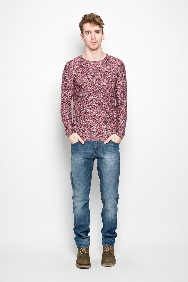 Джемпер3021077.00.10_4245Теплый мужской джемпер Tom Tailor, выполненный из 100% хлопка, необычайно приятен к телу, не сковывает движения, обеспечивая наибольший комфорт. Модель с круглым вырезом горловины и длинными рукавами идеально гармонирует с любыми предметами одежды. Низ, горловина и манжеты изделия связаны мелкой резинкой, что предотвращает деформацию при носке. Уютный и практичный джемпер станет прекрасным дополнением вашего гардероба.
