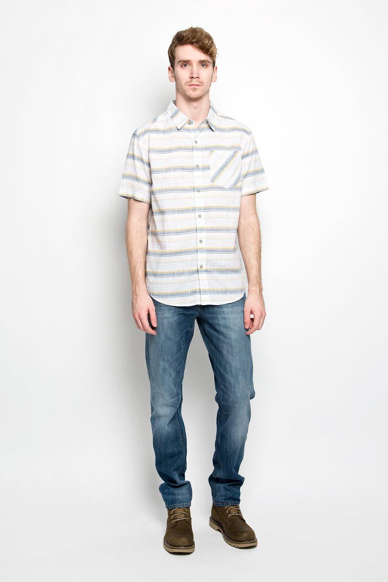 Рубашка мужская Katchor II SS Shirt. 1577771-7371577771-737Мужская рубашка Columbia Katchor II SS Shirt, выполненная из натурального хлопка, прекрасно подойдет для повседневной носки. Материал очень легкий, мягкий и приятный на ощупь, не сковывает движения и позволяет коже дышать. Рубашка свободного кроя с отложным воротником и короткими рукавами застегивается на пуговицы по всей длине. На груди предусмотрен накладной карман. Такая модель будет дарить вам комфорт в течение всего дня и станет стильным дополнением к вашему гардеробу.