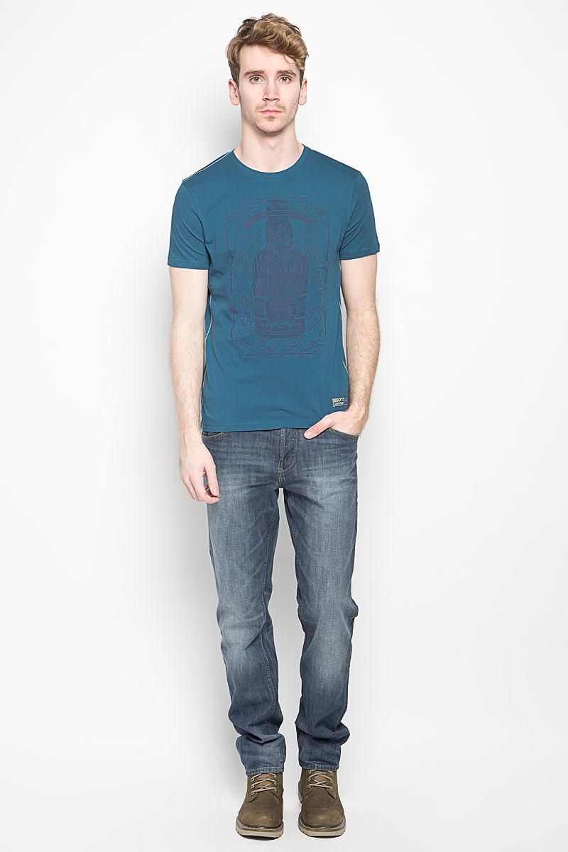 ФутболкаBGUZ-614Мужская футболка BeGood The Game, выполненная из натурального хлопка, станет замечательным дополнением к вашему гардеробу. Материал изделия легкий, мягкий и приятный на ощупь, не сковывает движения и позволяет коже дышать. Футболка с короткими рукавами имеет круглый вырез горловины, дополненный трикотажной резинкой. Спереди изделие оформлено крупным принтом с надписями. Модель украшена контрастной прострочкой и небольшой текстильной нашивкой. Дизайн и расцветка делают эту футболку стильным предметом мужской одежды, она поможет создать отличный современный образ.