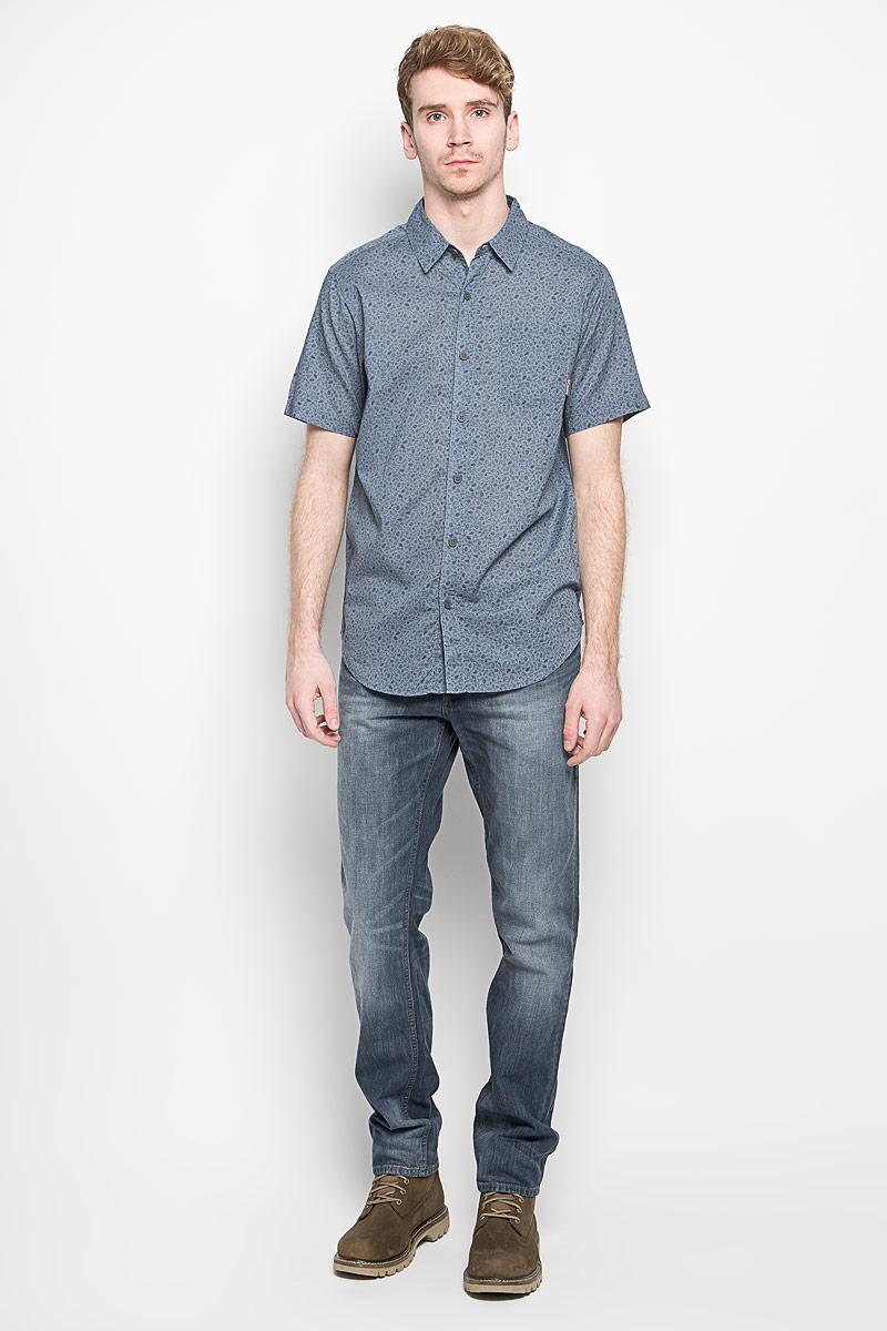 Рубашка мужская Under Exposure II SS Shirt. 15777511577751_102Модная мужская рубашка Columbia Under Exposure II SS Shirt, выполненная из натурального хлопка, прекрасно подойдет для повседневной носки. Материал очень легкий, мягкий и приятный на ощупь, не сковывает движения и позволяет коже дышать. Рубашка с отложным воротником и короткими рукавами застегивается на пуговицы по всей длине. На груди предусмотрен накладной карман. Изделие оформлено мелким принтом по всей поверхности. Такая модель будет дарить вам комфорт в течение всего дня и станет стильным дополнением к вашему гардеробу.
