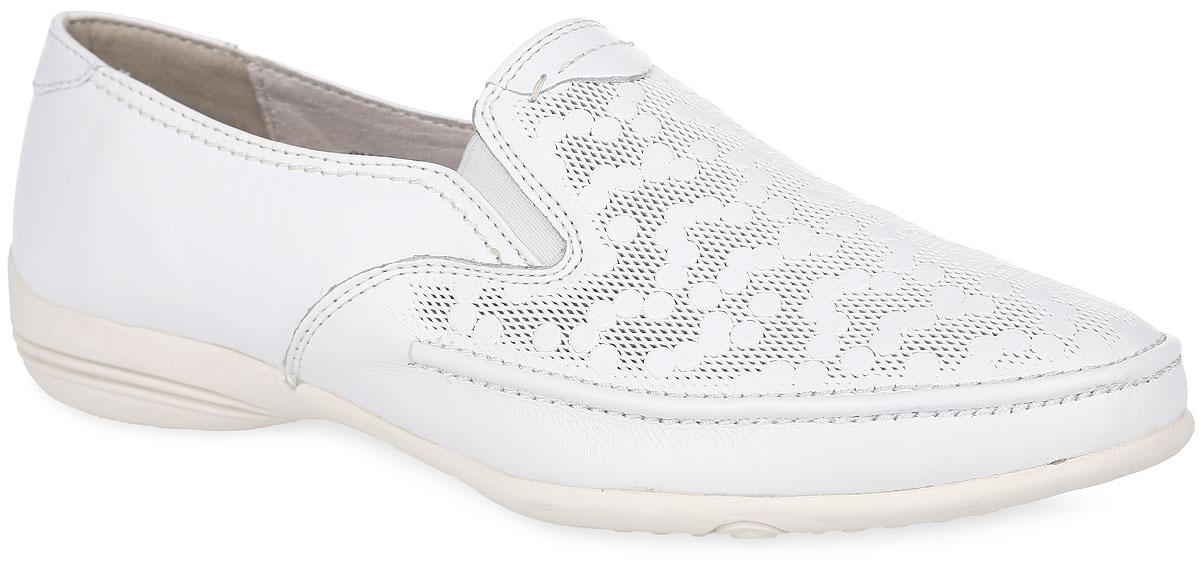 Туфли женские. SM2526_02_2SM2526_02_22_BEIGEСтильные и невероятно удобные туфли от Spur - отличный вариант на каждый день. Модель выполнена из натуральной кожи и оформлена в передней части оригинальным тиснением. Подъем дополнен эластичными вставками из текстиля, обеспечивающими лучшую посадку обуви на ноге. Подкладка и стелька, выполненные из натуральной кожи, обеспечат уют и предотвратят натирание. Невысокий каблук и подошва оснащены рифлением для лучшей сцепки с поверхностями. Такие туфли займут достойное место среди коллекции вашей обуви.