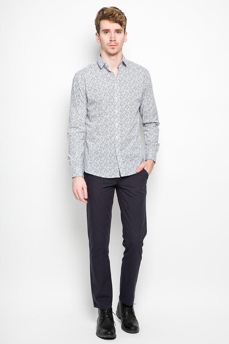 РубашкаSKL1948GRСтильная мужская рубашка Top Secret, выполненная из 100% хлопка, обладает высокой теплопроводностью, воздухопроницаемостью и гигроскопичностью, позволяет коже дышать, тем самым обеспечивая наибольший комфорт при носке. Модель классического кроя с отложным воротником застегивается на пуговицы. Длинные рукава рубашки дополнены манжетами на пуговицах. Рубашка оформлена цветочным принтом. Такая рубашка подчеркнет ваш вкус и поможет создать великолепный стильный образ.