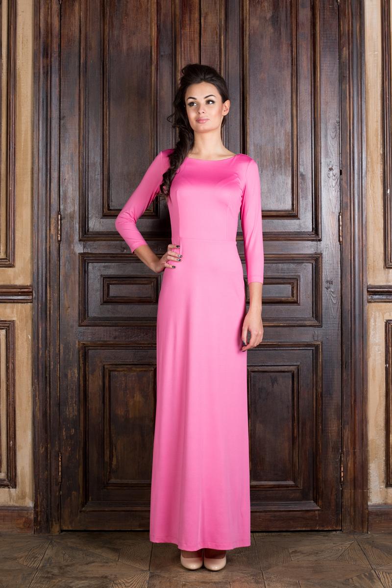 P20E-HВеликолепное платье Анна Чапман, выполненное из нежнейшей ткани, идеально сидит благодаря правильным выточкам. Модель выполнена из полиэстера с добавлением эластана. Платье-макси приталенного кроя с вырезом горловины лодочка и рукавами 3/4 подойдет как для вечернего выхода, так и на каждый день. Спинка оформлена неглубоким V-образным вырезом.
