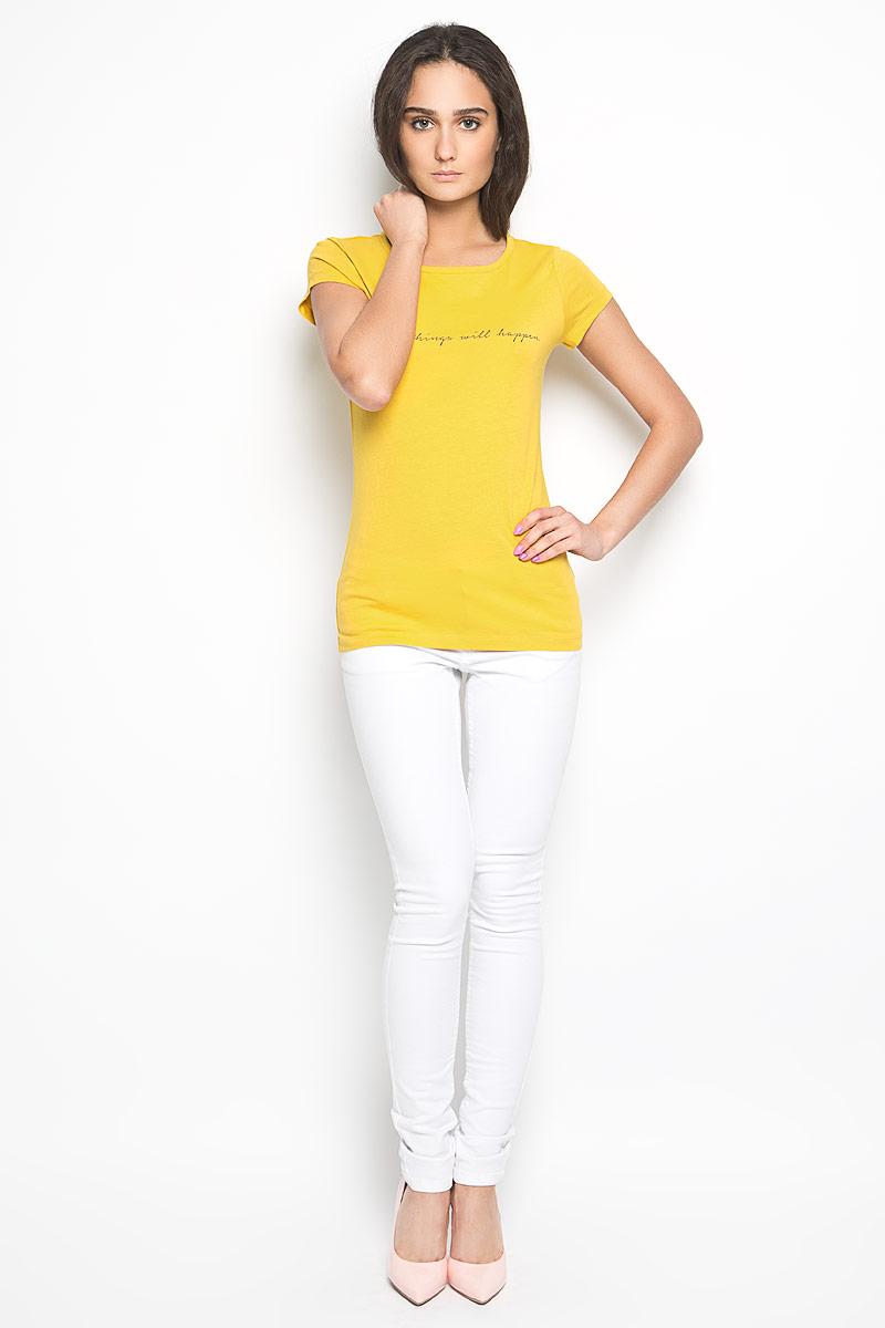 Футболка1034350.00.71_8005Стильная женская футболка Tom Tailor Denim актуального фасона, выполненная из натурального хлопка, будет отлично на вас смотреться. Модель с круглым вырезом горловины и короткими рукавами оформлена оригинальными надписями. В нижней части футболки выполнена вышивка логотипа бренда. Классический покрой, лаконичный дизайн, безукоризненное качество. Идеальный вариант для тех, кто ценит комфорт и практичность.