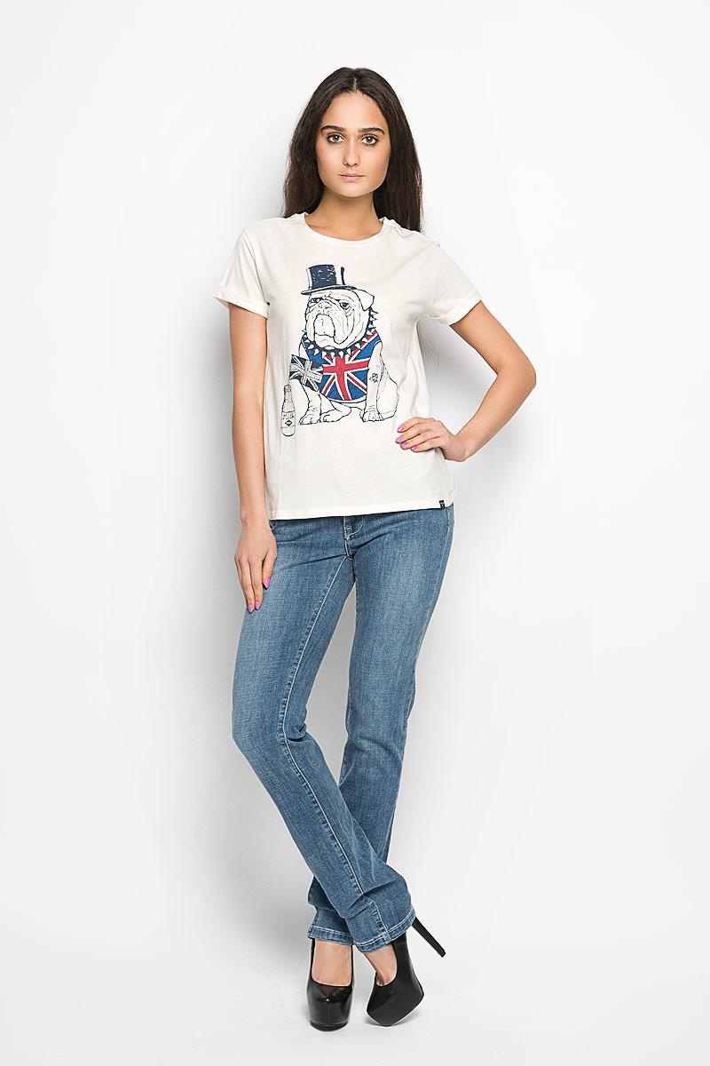 ФутболкаW28099-0245Стильная женская футболка Lee Cooper актуального фасона, выполненная из натурального хлопка, будет отлично на вас смотреться. Модель с круглым вырезом горловины и короткими рукавами с отворотом оформлена красочным изображением собаки. Классический покрой, лаконичный дизайн, безукоризненное качество. Идеальный вариант для тех, кто ценит комфорт и практичность.