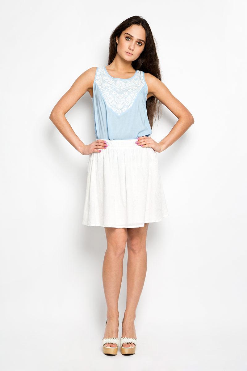 SK-118/778-6264Стильная юбка Sela поможет создать оригинальный женственный образ. Изготовленная из 100% вискозы, она не сковывает движения и обеспечивает удобство при носке. Модель конического кроя имеет пришивной пояс и застегивается сбоку на застежку-молнию. Оформлено изделие нежной цветочной вышивкой. Модная юбка займет достойное место в вашем гардеробе и будет дарить вам комфорт в течение всего дня.