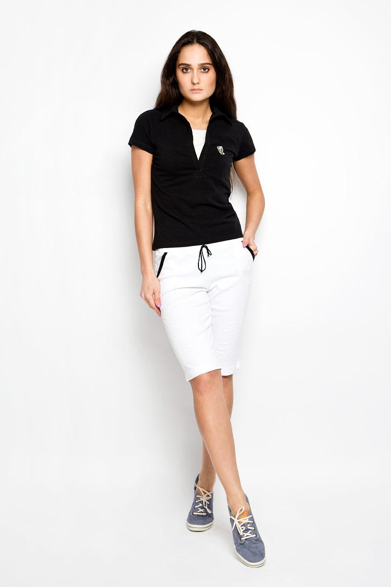 М-167Стильная женская футболка Original поможет создать отличный современный образ. Модель изготовлена из натурального хлопка, очень мягкая, тактильно приятная, не сковывает движения и хорошо пропускает воздух. Футболка с отложным вырезом горловины и короткими рукавами оформлена на груди вышивкой в виде бабочки. Модель выполнена с имитацией майки. Такая футболка станет стильным дополнением к вашему гардеробу, она подарит вам комфорт в течение всего дня!