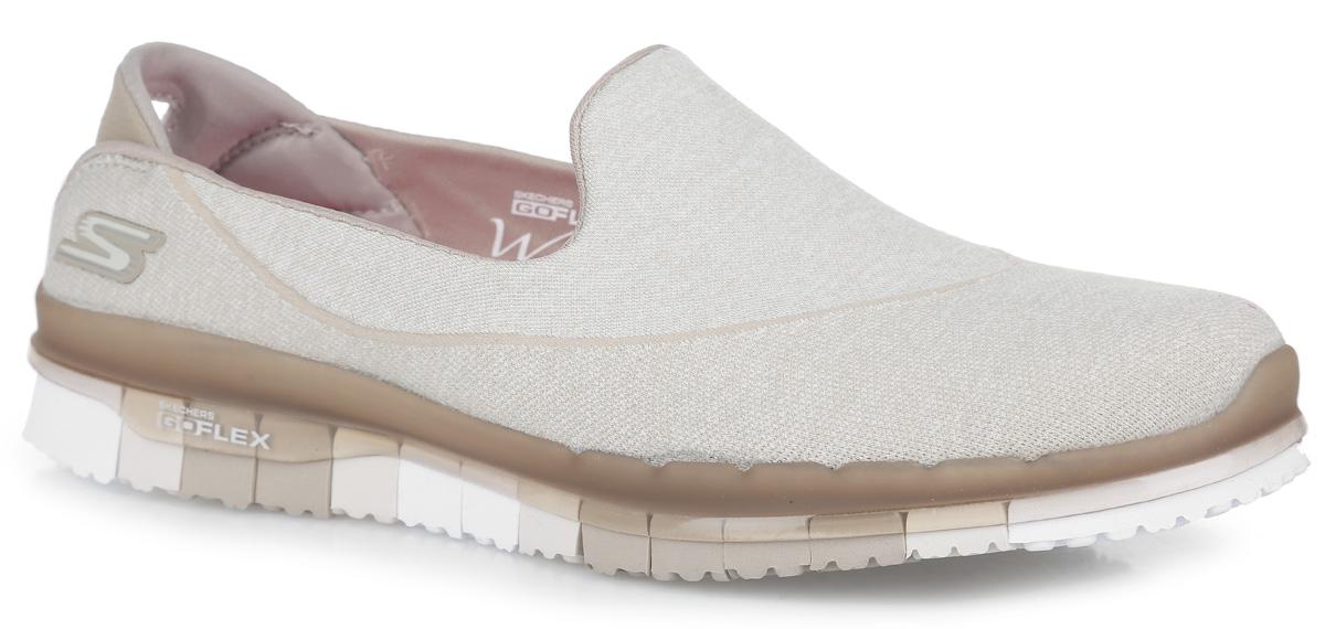 Кроссовки женские Go Flex. 1401014010-NVCLЖенские кроссовки Go Flex от Skechers предназначены для ходьбы и занятий спортом. Новая инновационная подошва Resalyte Flex, которая используется в этой обуви, обеспечивает максимальную гибкость при ходьбе. В этой модели также применяется стелька GOGA Mat, они обладает хорошим амортизационным качеством и обработана биоцидом для борьбы с микробами, вызывающими специфический запах. В подметке обуви установлены специальные выступы Mini GO impulse sensors, которые гарантируют превосходное сцепление с поверхностью. Бесшовный верх обуви выполнен из очень легкого, тянущегося и хорошо вентилируемого текстиля Supersocks, благодаря которому обувь идеально сидит на ноге.