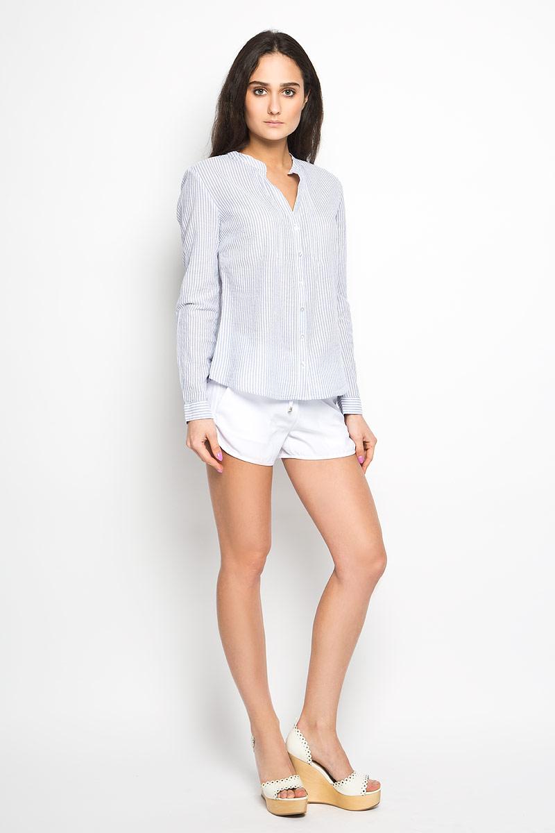 B-112/754-6244Стильная женская блузка Sela, выполненная из 100% хлопка, подчеркнет ваш уникальный стиль и поможет создать оригинальный женственный образ. Модель с длинными рукавами и оригинальным вырезом горловины застегивается на пуговицы. Изделие оформлено принтом в полоску. На груди вдоль планки блузка декорирована отстрочкой. Такая модель будет дарить вам комфорт в течение всего дня и послужит замечательным дополнением к вашему гардеробу.