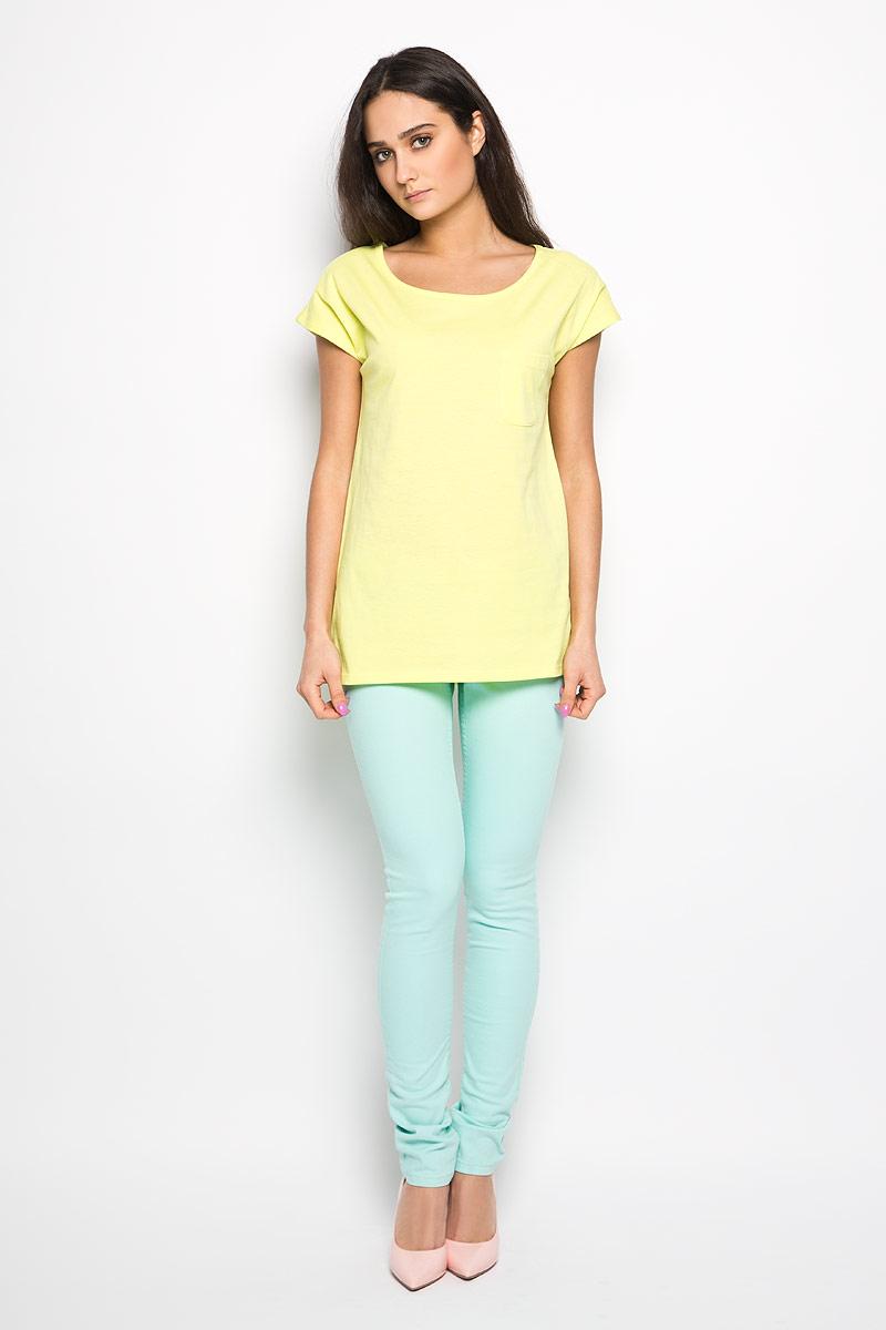 Ts-111/935-6183Стильная женская футболка Sela актуального фасона, выполненная из хлопка и полиэстера, будет отлично на вас смотреться. Модель с круглым вырезом горловины и короткими рукавами дополнена накладным карманом. Классический покрой, лаконичный дизайн, безукоризненное качество. Идеальный вариант для тех, кто ценит комфорт и практичность.