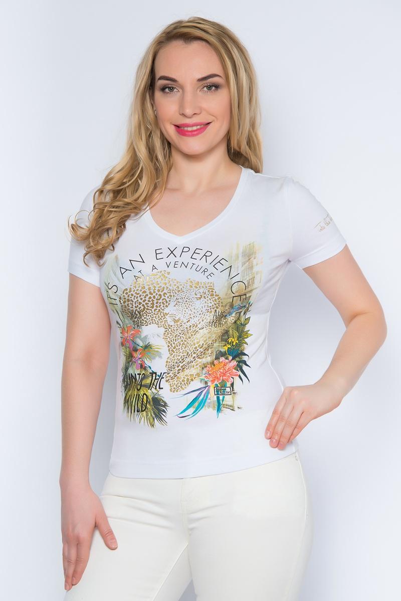 ФутболкаSS16-BGUZ-496Стильная женская футболка BeGood изготовлена из эластичного хлопка. Приталенная модель с короткими рукавами и V-образным вырезом горловины оформлена оригинальным цветочным принтом.