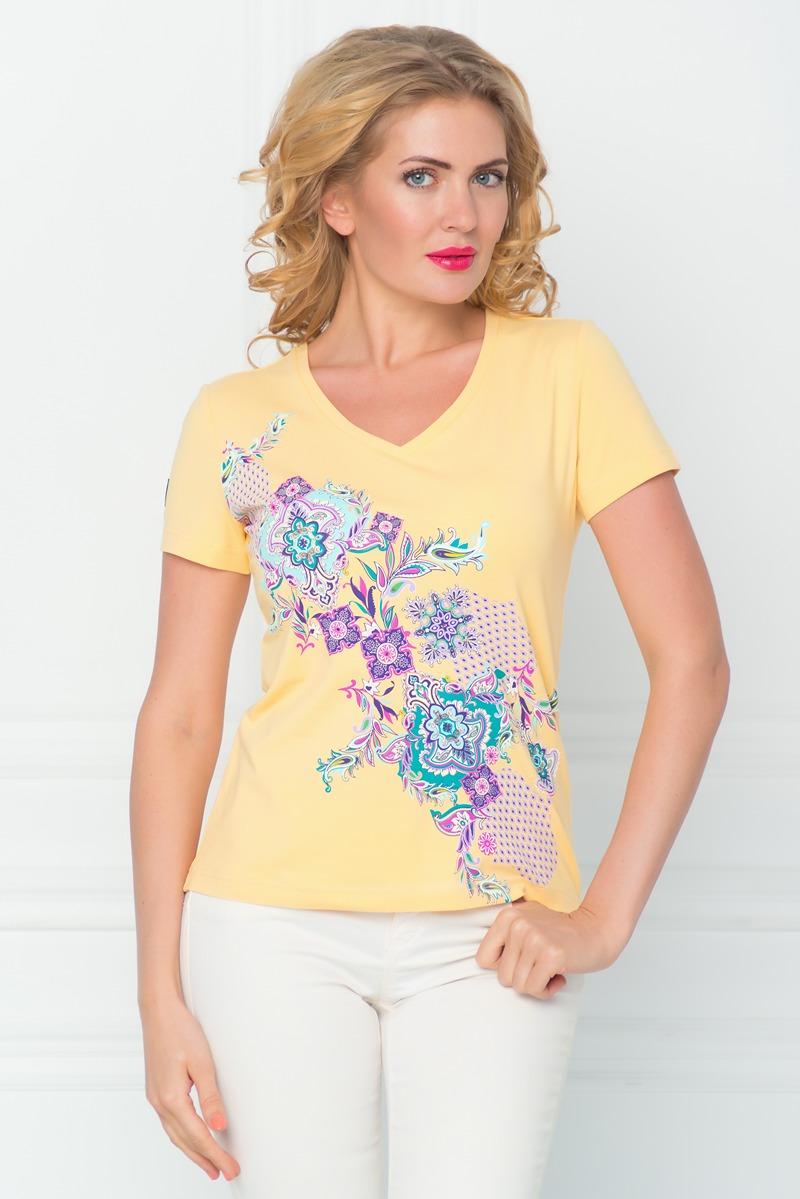 ФутболкаSS16-BGUZ-527Стильная женская футболка BeGood изготовлена из эластичного хлопка. Приталенная модель с короткими рукавами и V-образным вырезом горловины оформлена оригинальным красочным принтом.