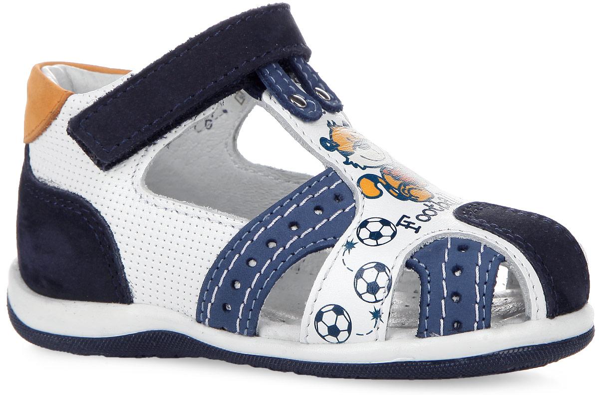 7-804591601Яркие сандалии от Elegami покорят вашего малыша с первого взгляда. Модель изготовлена из натуральной кожи и натурального нубука. Обувь оформлена перфорацией, на подъеме - принтом с изображением веселого тигренка. Ремешок с застежкой-липучкой прочно зафиксирует изделие на ноге. Подкладка и стелька из натуральной кожи позволяют ножкам дышать. Супинатор на стельке обеспечивает правильное положение ноги ребенка при ходьбе, предотвращает плоскостопие. Гибкая подошва с рифлением в виде оригинального рисунка гарантирует идеальное сцепление с любой поверхностью. Модные и практичные сандалии - необходимая вещь в гардеробе каждого мальчика!