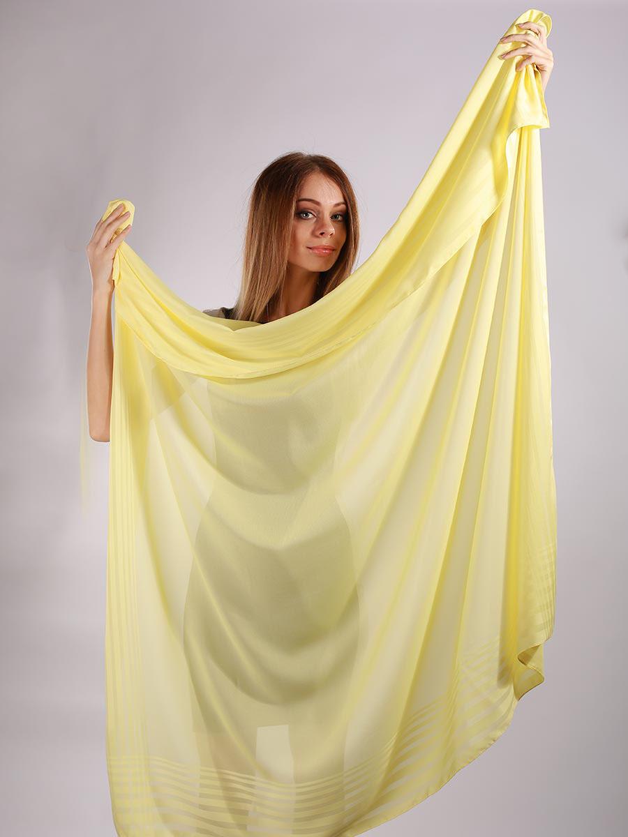 3902527-01Яркий и стильный женский платок Venera изготовлен из легкого и нежного полиэстера, не оставит равнодушной ни одну настоящую модницу. Большой размер изделия позволяет повязать его множеством разных и стильных вариантов. Такой чудесный аксессуар будет гармонично смотреться и с рваными джинсами, и со строгим костюмом, и даже с вечерним нарядом. Платок Venera превосходно дополнит любой наряд и подчеркнет ваш неповторимый вкус и элегантность.
