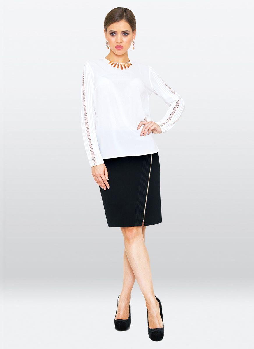 Блузка жен. 36303630Элегантная блузка из вискозного шелка, с округлым вырезом горловины. Модель прямого покроя, с длинными рукавами декорированные шитьем. Прекрасный базовый вариант для создания неповторимого образа.