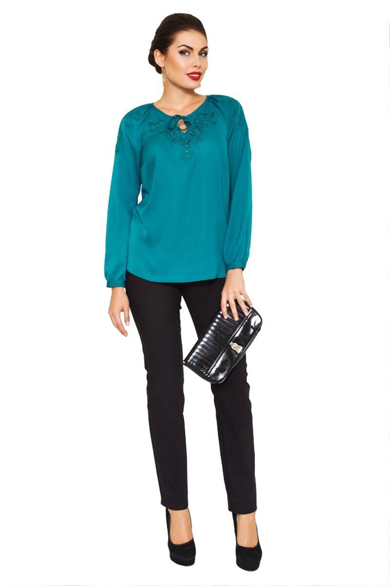 Блузка жен. 30993099Нарядная классическая блузка оформлена узорной вышивкой и бусинами из жемчуга. Лаконичный дизайн предполагает массу возможностей для комбинирования с другими предметами гардероба.
