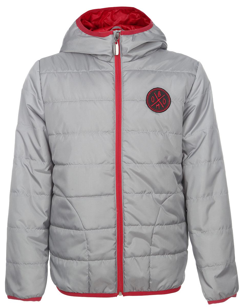 Куртка для мальчика. 63637DM_BOB63637DM_BOB вар.3Стильная куртка для мальчика Boom! идеально подойдет вашему ребенку в прохладную погоду. Модель изготовлена из водонепроницаемой и ветрозащитной ткани, на подкладке из полиэстера с добавлением вискозы. В качестве утеплителя используется синтепон - 100% полиэстер. Куртка с капюшоном застегивается на пластиковую застежку-молнию с защитой подбородка и оформлена горизонтальной стежкой. Капюшон не отстегивается. По бокам предусмотрены два прорезных кармана. Низ рукавов и куртки дополнен трикотажной эластичной резинкой. На груди изделие оформлено аппликацией с логотипом бренда. Современный дизайн и модная расцветка делают эту куртку стильным предметом детского гардероба. В ней ваш ребенок будет чувствовать себя уютно и комфортно, и всегда будет в центре внимания!