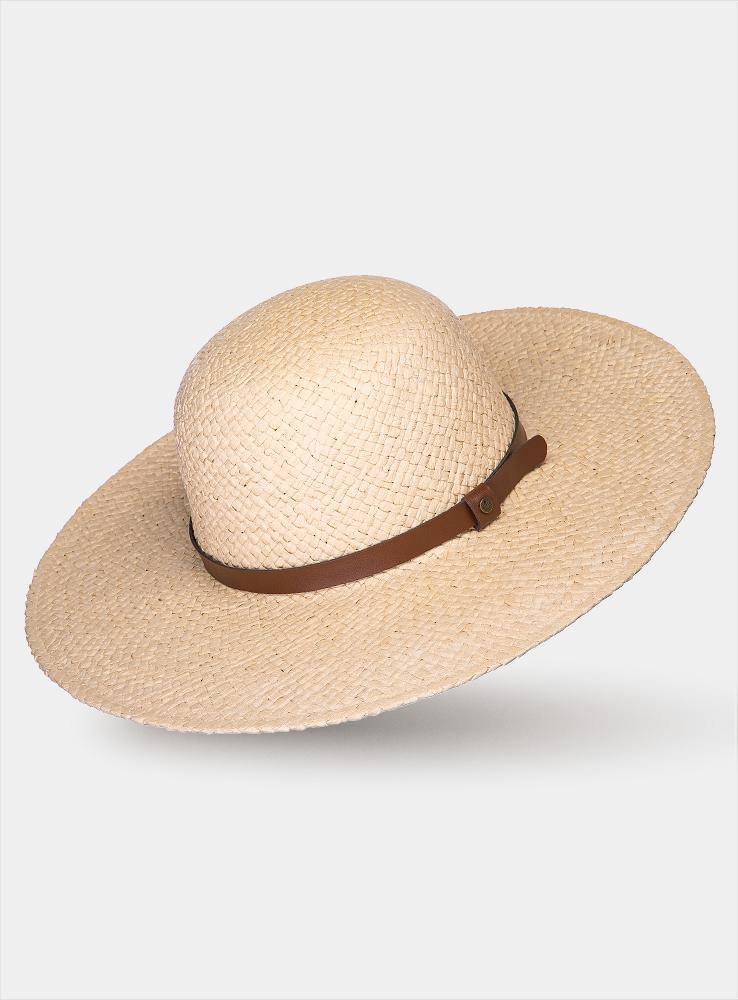 Шляпа женская Cecile1964410Очаровательная женская шляпа Canoe Cecile, выполненная из искусственной соломы, станет незаменимым аксессуаром для пляжа и отдыха на природе. Широкие поля шляпы обеспечат надежную защиту от солнечных лучей. Шляпа оформлена декоративным ремешком из искусственной кожи. Плетение шляпы обеспечивает необходимую вентиляцию и комфорт даже в самый знойный день. Шляпа легко восстанавливает свою форму после сжатия. Стильная шляпа с элегантными волнистыми полями подчеркнет вашу неповторимость и дополнит ваш повседневный образ.