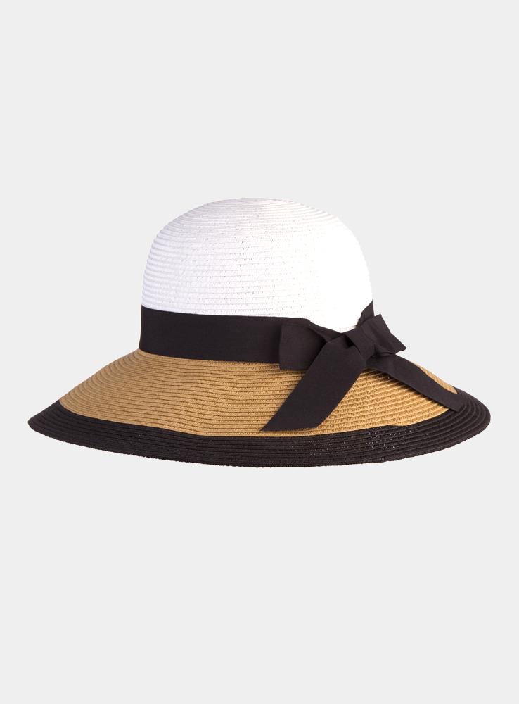 Шляпа1966130Очаровательная летняя шляпа Canoe Elegance, выполненная из искусственной соломы и прочного полиэстера, станет незаменимым аксессуаром для пляжа и отдыха на природе. Широкие поля шляпы обеспечат надежную защиту от солнечных лучей. Шляпа оформлена декоративной лентой с бантом. Плетение шляпы обеспечивает необходимую вентиляцию и комфорт даже в самый знойный день. Шляпа легко восстанавливает свою форму после сжатия. Стильная шляпа с элегантными волнистыми полями подчеркнет вашу неповторимость и дополнит ваш повседневный образ.