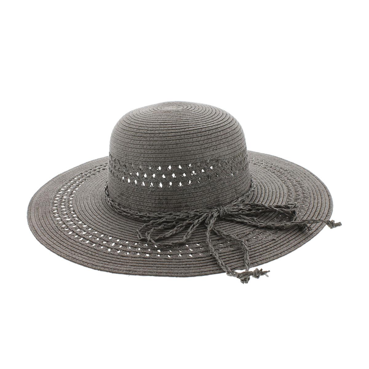 Шляпа женская Clara. 77-09977-099-08-55Широкополая шляпа R.Mountain Clara с оригинальным узором с перфорацией на тулье и полях, украсит любой наряд. Модель оформлена небольшим металлическим логотипом фирмы и плетеным шнуром, завязанным в бантом. Благодаря своей форме, шляпа удобно садится по голове и подойдет к любому стилю. Изделие легко восстанавливает свою форму после сжатия. Такая шляпка подчеркнет вашу неповторимость и дополнит ваш повседневный образ.