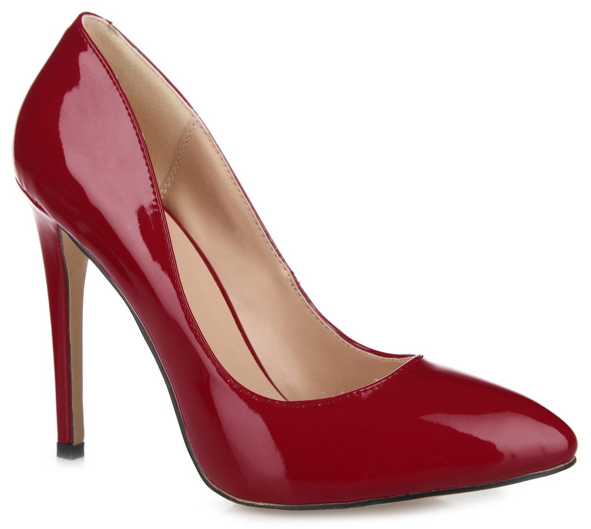 049-02-IG-04-PPУмопомрачительные туфли от Calipso покорят вас с первого взгляда! Модель выполнена из искусственной лакированной кожи и исполнена в лаконичном стиле. Подкладка и стелька изготовлены из искусственной кожи. Высокий каблук-шпилька смотрится невероятно притягательно. Подошва с рифлением обеспечивает отличное сцепление с любыми поверхностями. Эффектные туфли внесут изюминку в ваш модный образ.