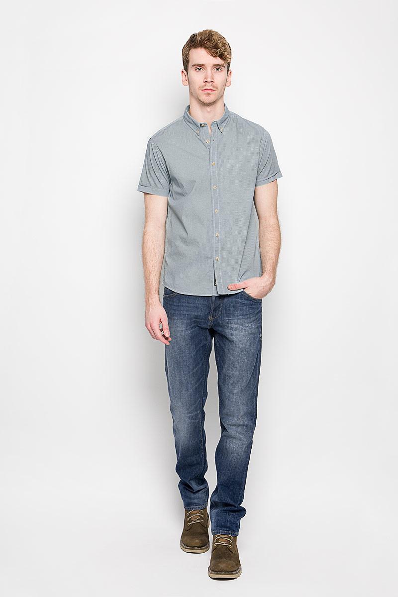 20100198_538Стильная мужская рубашка Broadway, изготовленная из высококачественного хлопка, необычайно мягкая и приятная на ощупь, не сковывает движения и позволяет коже дышать, обеспечивая наибольший комфорт. Модная рубашка с отложным воротником и короткими рукавами застегивается на пластиковые пуговицы. Уголки воротника фиксируются также при помощи пуговиц. Такая модель будет дарить вам комфорт в течение всего дня и станет стильным дополнением к вашему гардеробу.