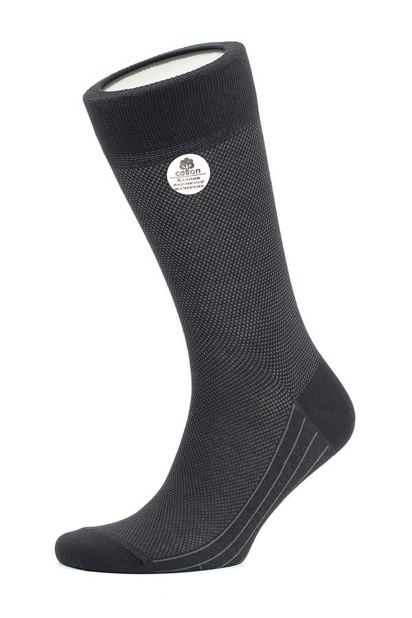 НоскиMS061Мужские носки Uomo Fiero, изготовленные из высококачественного комбинированного материала, очень мягкие и приятные на ощупь, позволяют коже дышать. Эластичная резинка плотно облегает ногу, не сдавливая ее, обеспечивая комфорт и удобство. Носки обладают повышенной прочностью, не подвержены усадке. Изделие оформлено геометрическим орнаментом. Модель с классическим паголенком. Идеальное сочетание практичности, комфорта и элегантности!
