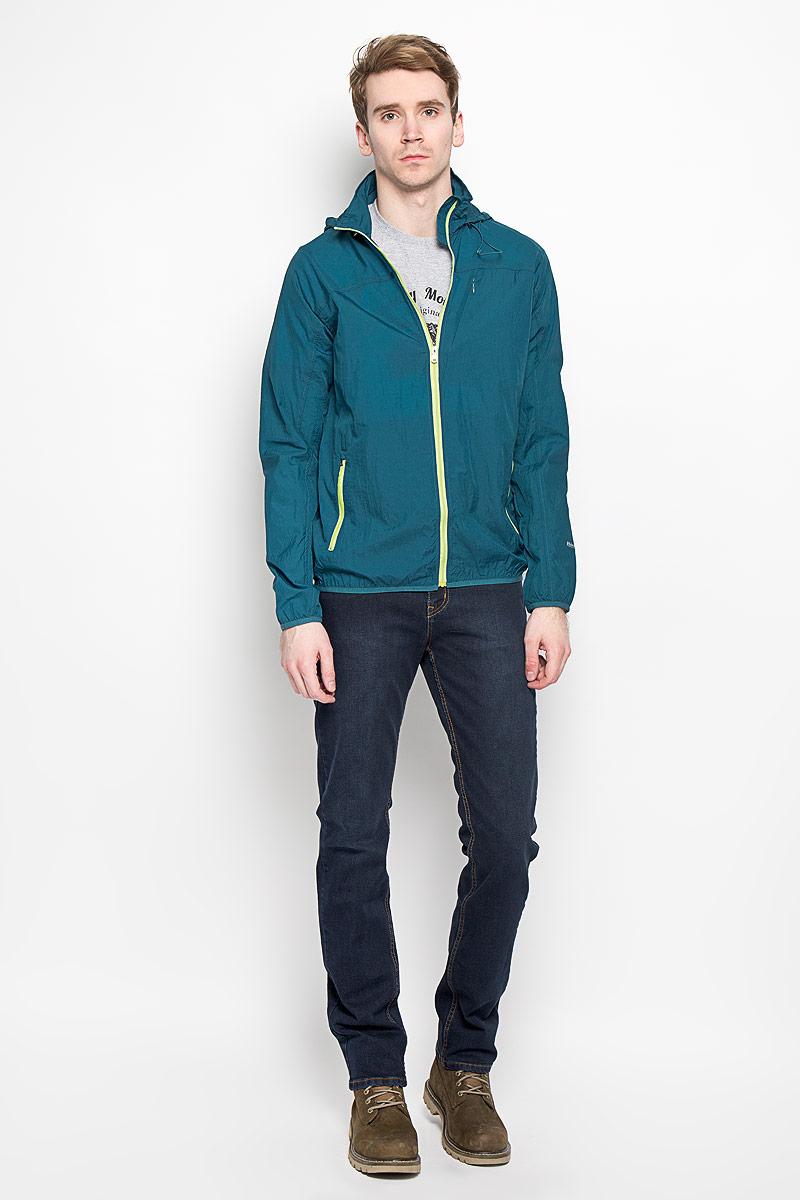 Ветровка140861Стильная мужская куртка-ветровка F5, выполненная из 100% нейлона, превосходно подойдет для прохладных дней. Модель с длинными рукавами-реглан, воротником-стойкой и несъемным капюшоном на резинке о стопперами застегивается на молнию с защитой подбородка. На воротнике предусмотрен потайной карман на липучках, внутрь которого убирается капюшон. Ветровка спереди дополнена тремя прорезными карманами на застежке-молнии. Низ рукавов и низ изделия дополнены эластичной резинкой. На левом рукаве имеется небольшая светоотражающая термоаппликация в виде надписи. Такая ветровка не промокает и не продувается. Модель надежно сохранит тепло и защитит вас от ветра и дождя.