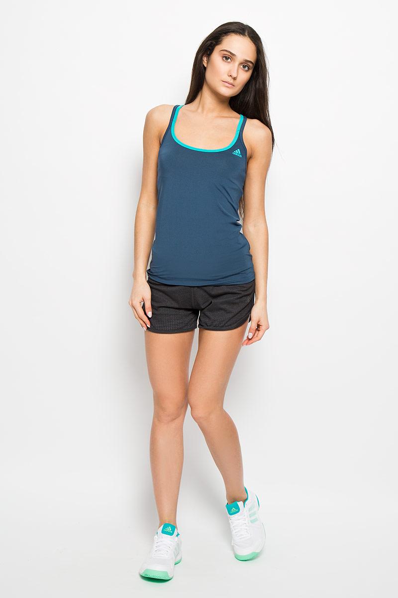 Майка для бега женская Basic Strappy. AJ537AJ5375Женская майка Adidas Basic Strappy, выполненная из эластичного полиэстера, прекрасно подходит для занятий спортом как в тренажерном зале, так и на беговой дорожке. Майка приталенного кроя с глубоким круглым вырезом горловины создана для легкости и свободы движений. Модель отводит влагу от кожи, сохраняя ощущение сухости и комфорта во время тренировки. Тонкие двойные лямки с перекрестным переплетением на спине. Изделие оформлено логотипом бренда. Такая модель будет дарить вам комфорт в течение всего дня и станет отличным дополнением к вашему гардеробу.