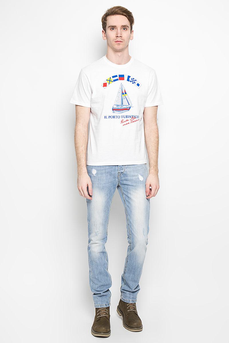 160028_02285/Ship, TR Plain, whiteСтильная мужская футболка F5, выполненная из высококачественного мягкого хлопка, обладает высокой теплопроводностью, воздухопроницаемостью и гигроскопичностью, позволяет коже дышать. Модель с короткими рукавами и круглым вырезом горловины оформлена оригинальным рисунком и надписями. Горловина дополнена трикотажной эластичной резинкой. Эта футболка - идеальный вариант для создания эффектного образа.