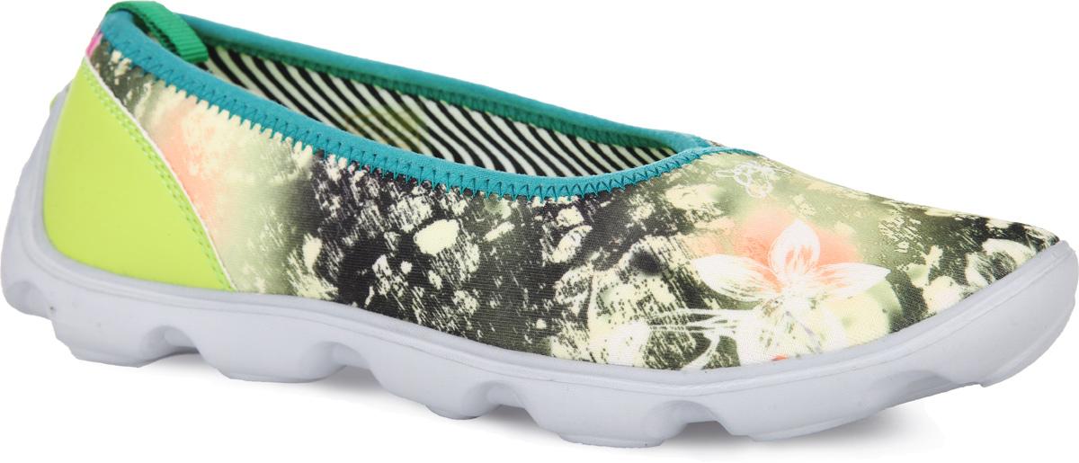 Туфли спортивные женские. 16375S-116375S-1-1TЯркие и удобные спортивные туфли от Daze придутся вам по душе. Модель выполнена из текстиля, оформленного яркими цветочными изображениями и дополнена на заднике вставкой из синталина и ярлычком для более удобного надевания обуви. Подкладка, изготовленная из текстиля, предотвратит натирание. Стелька из ЭВА материала с текстильным верхним покрытием декорирована фирменным принтом. Легкая подошва из ЭВА материала оснащена рифлением для лучшего сцепления с поверхностями. В таких спортивных туфлях вашим ножкам всегда будет комфортно и уютно!