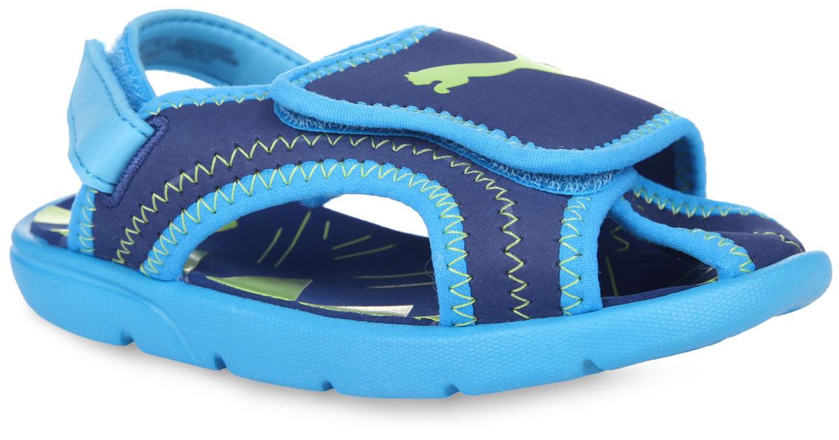 Сандалии для мальчика. 3598830135988301Чудесные и очень легкие сандалии с открытой пяткой и закрытым мыском от Puma покорят вашего маленького модника с первого взгляда. Верх модели выполнен из ЭВА материала и оформлен по верху зигзагообразной прострочкой, по канту - текстильной нашивкой для лучшего прилегания обуви в стопе, в области подъема - фирменным принтом. Текстильная подкладка предотвратит натирание. Застежка- липучка в области подъема и пяточный ремешок на липучке надежно зафиксируют изделие на ножке ребенка. Верхняя часть подошвы оформлена оригинальным принтом и символикой бренда. Нескользящая подошва обеспечивает безопасность ребенка при ходьбе. Такие сандалии подойдут для повседневного использования в бассейне, дома или на отдыхе!
