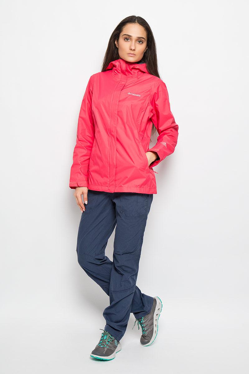 Ветровка женская Arcadia II Jacket. 15341111534111_354Легкая женская куртка Columbia Arcadia II Jacket отлично подойдет для активного отдыха и туризма. Модель с капюшоном выполнена из высококачественного материала и имеет комбинированную застежку. Ткань обработана специальной пропиткой для защиты от влаги. Манжеты затягиваются хлястиками на липучки. Изделие дополнено двумя втачными карманами на молниях. Куртка имеет сетчатую подкладку, низ стягивается кулиской при помощи карабинов. Благодаря своей функциональности модель станет незаменимой вещью в путешествии. В такой куртке вы всегда будете чувствовать себя уютно и комфортно.