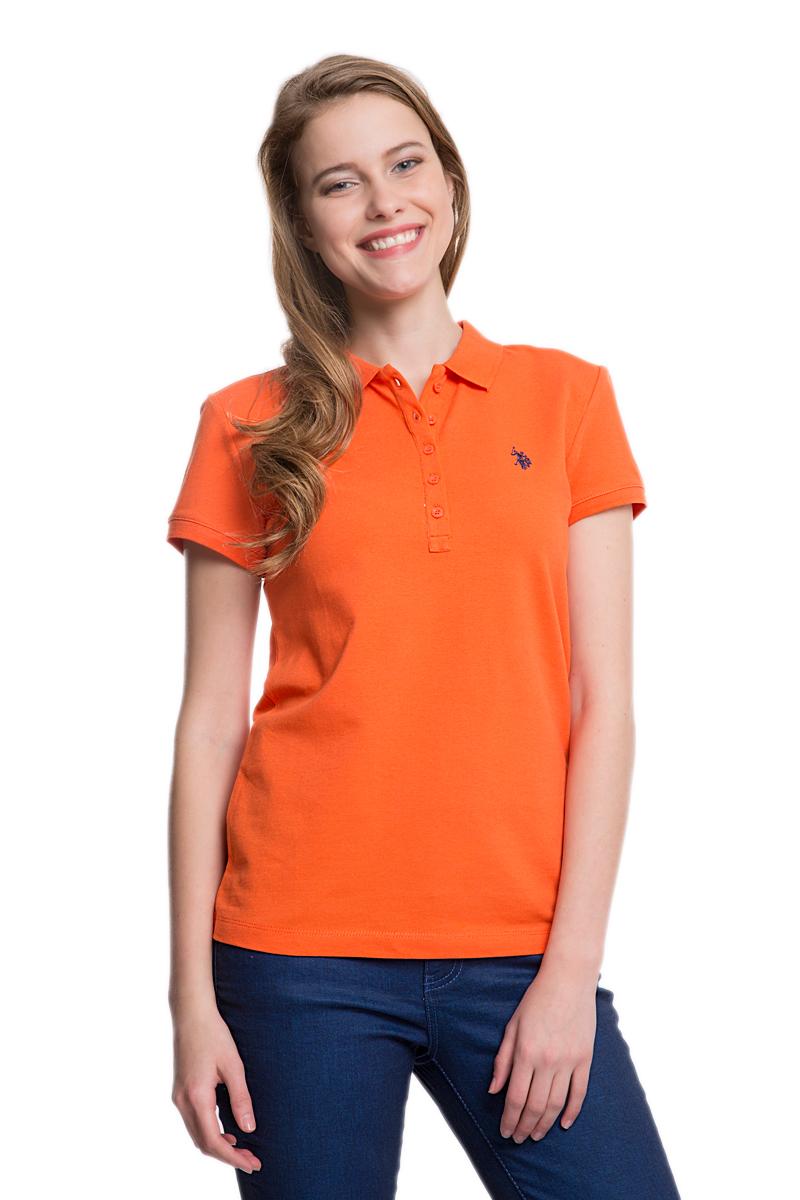 G082GL0110GTP01-IY06_BY0001Стильная женская футболка-поло U.S. Polo Assn., выполненная из высококачественного эластичного хлопка, обладает высокой теплопроводностью, воздухопроницаемостью и гигроскопичностью, позволяет коже дышать. Модель с короткими рукавами и отложным воротником - идеальный вариант для создания оригинального современного образа. Сверху футболка-поло застегивается на пластиковые пуговицы. Воротник и низ рукавов выполнены из трикотажной резинки. Модель оформлена на груди небольшой вышивкой.