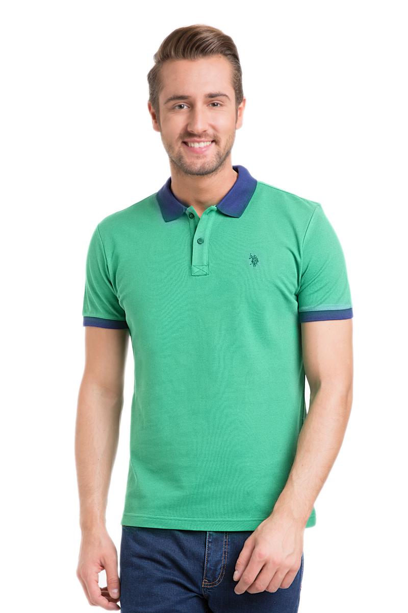 ПолоG081GL0110GI4015IY6_1Стильная мужская футболка-поло U.S. Polo Assn., выполненная из натурального хлопка, обладает высокой теплопроводностью, воздухопроницаемостью и гигроскопичностью, позволяет коже дышать. Модель с короткими рукавами и отложным воротником - идеальный вариант для создания оригинального современного образа. Сверху футболка-поло застегивается на две пуговицы. Воротник и низ рукавов выполнены из трикотажной резинки. Модель оформлена на груди небольшой вышивкой.
