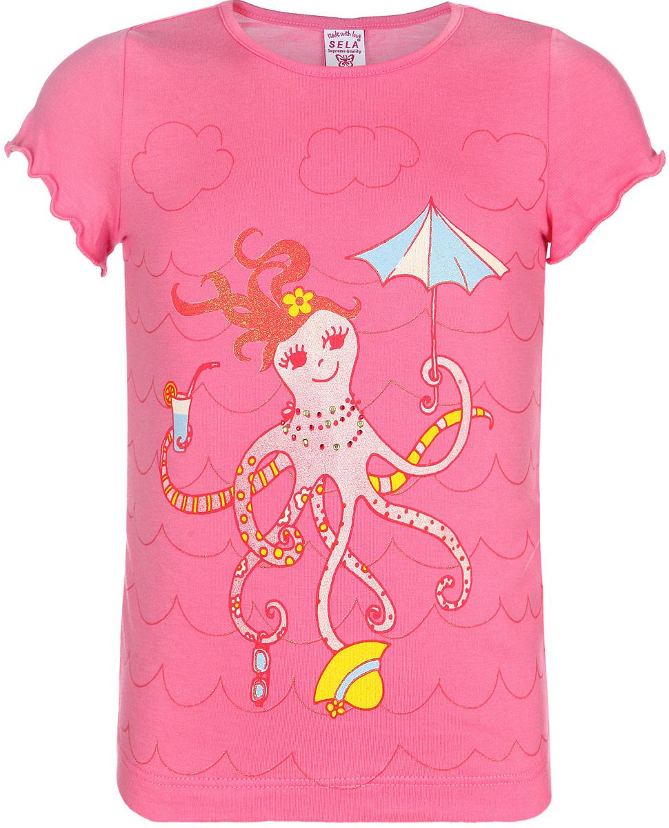 Футболка для девочки. Ts-511/207-6244Ts-511/207-6244Очаровательная футболка для девочки SELA послужит идеальным дополнением к гардеробу вашего ребенка, обеспечивая ему наибольший комфорт. Изготовленная из натурального хлопка, она необычайно мягкая и легкая, не раздражает нежную кожу ребенка и хорошо вентилируется, а эластичные швы приятны телу малышки и не препятствуют ее движениям. Футболка трапециевидного кроя с короткими рукавами и круглым вырезом горловины. Спереди модель оформлена термоаппликацией с изображением медузы с блестящим напылением. Вырез горловины дополнен трикотажной эластичной резинкой. Футболка полностью соответствует особенностям жизни ребенка в ранний период, не стесняя и не ограничивая его в движениях.