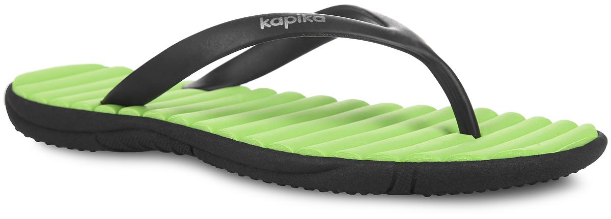 Сланцы83060Яркие сланцы от Kapika покорят вашего ребенка с первого взгляда! Верх модели изготовлен из полимерного материала. Рельефная стелька из EVA-материала комфортна при движении. Ремешки с перемычкой гарантируют надежную фиксацию модели на ноге. Рифление на подошве обеспечивает уверенное сцепление с любой поверхностью. Удобные сланцы прекрасно подойдут для похода в бассейн или на пляж.
